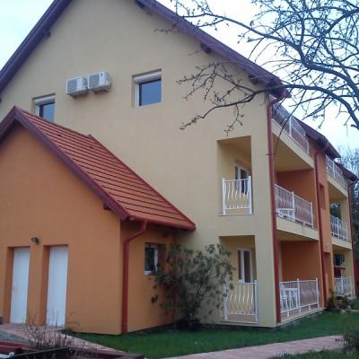 Nyílászárók beépítése, Andrea Panzió, Ikkuna Építő Bt., fotó 2, 2.kép