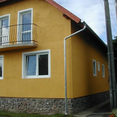 Nyílászárók beépítése, Sajtoskál, családi ház, főkép